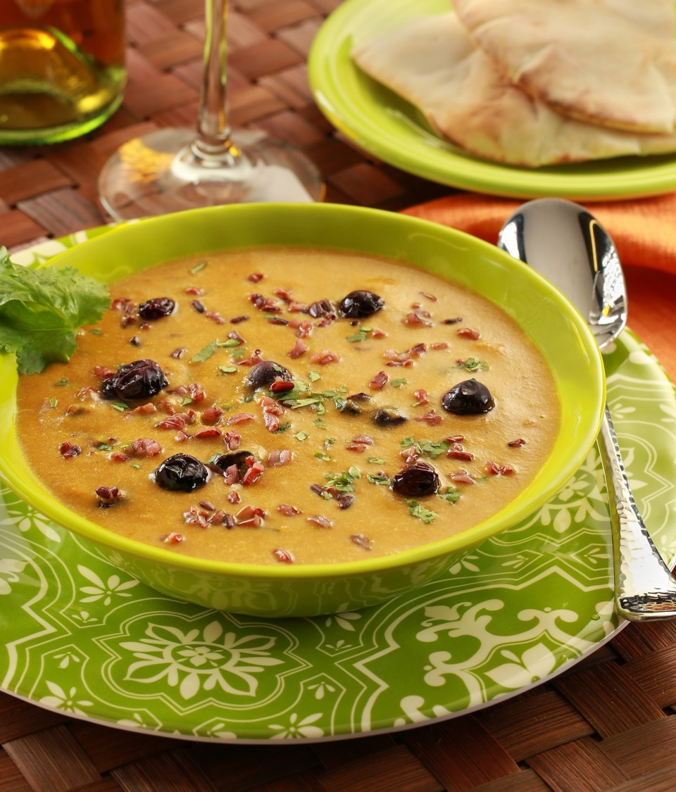 mulligatawny soup with roasted blueberries 45