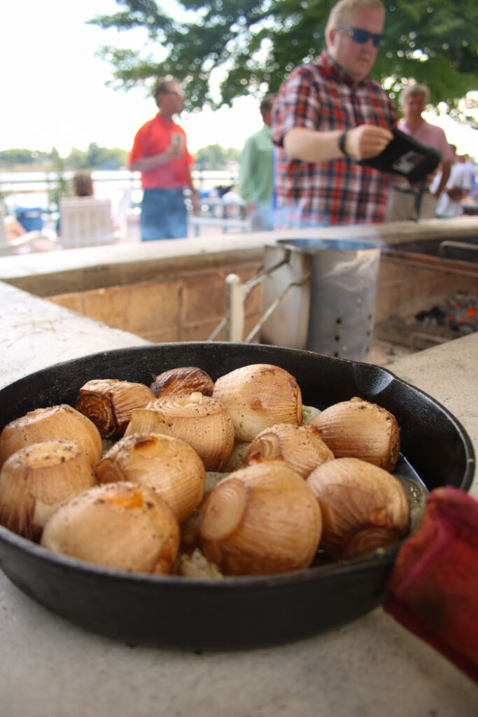 Smoky onions stuffed with garlic