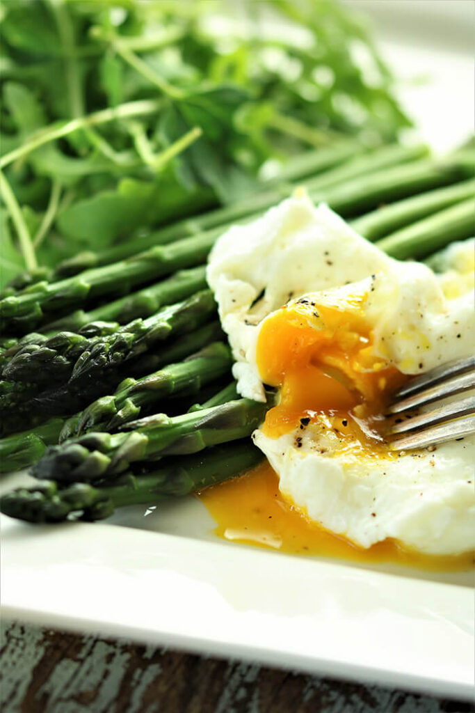 Roasted Asparagus with Poached Egg and Arugula
